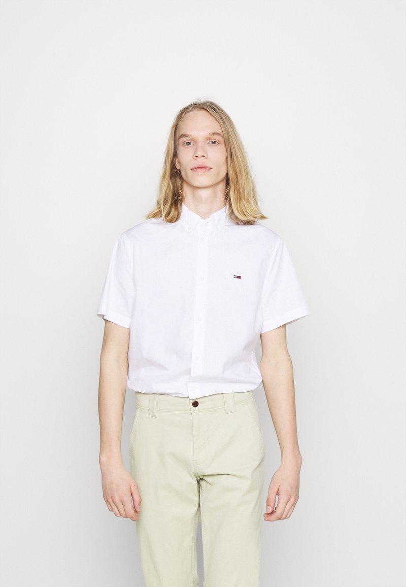 Tommy Jeans - LIGHTWEIGHT - Košile - white