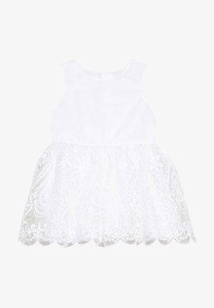 NMFSANDIE SPENCER - Vestido de cóctel - bright white