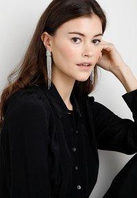 ONLY - ONLELLA EARRINGS - Náušnice - silver-coloured - 1