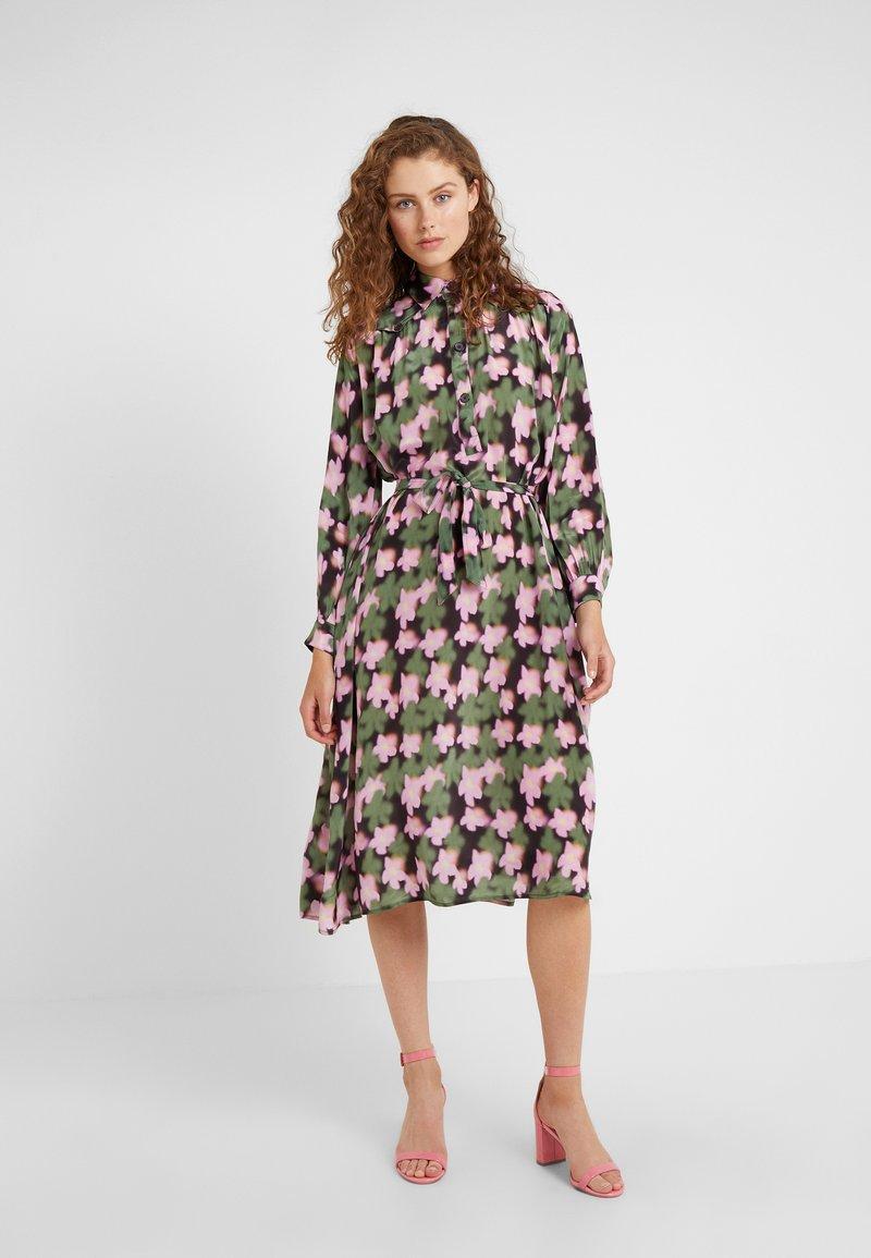 Lovechild - AURELIE DRESS - Blusenkleid - cyclamen