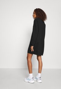 Calvin Klein Jeans - MONOGRAM CREWNECK DRESS - Sukienka letnia - black - 2