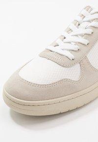 Veja - V-10 - Tenisky - white/natural/pierre - 5