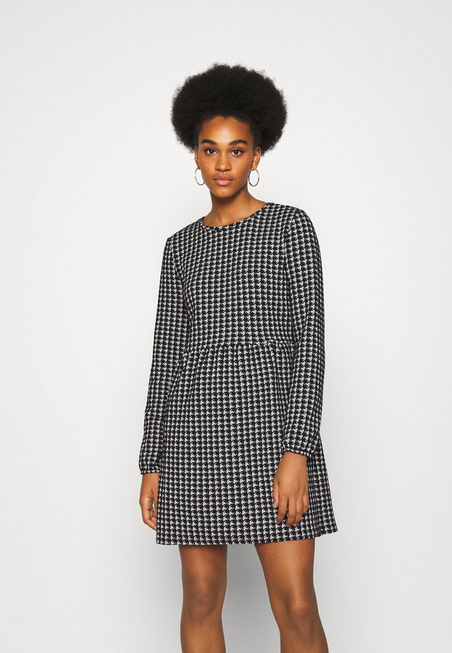 NMHOUND DRESS - Jumper dress - black