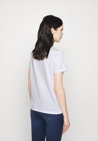 Vero Moda - VMANAIS - Print T-shirt - snow white/beech marble - 2