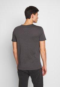 Marc O'Polo - SHORT SLEEVE ROUND NECK CHEST POCKET - T-shirt basic - gray pinstripe - 2