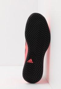 adidas Performance - DEFIANT GENERATION - Tenisové boty na všechny povrchy - signal pink/core black - 4