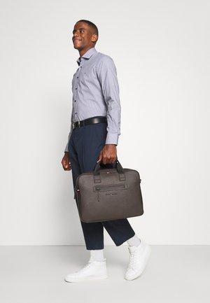 ESSENTIAL COMPUTER BAG UNISEX - Laptop bag - brown