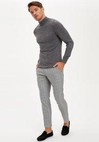 DeFacto - Pantaloni - grey - 1