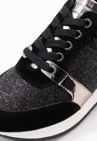Carvela - JUSTIFIED - Sneakers basse - black - 2