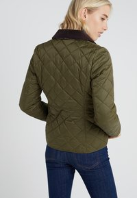 Barbour - DEVERON QUILT - Light jacket - olive/pale pink - 2