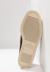 Sebago - DOCKSIDES PORTLAND  - Boat shoes - brown - 4