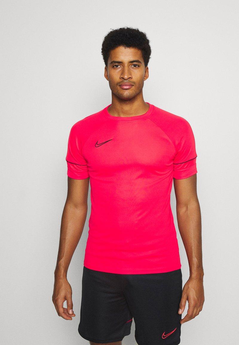 Nike Performance - ACADEMY 21 - Print T-shirt - siren red/black