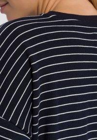 Cross Jeans - Sweatshirt - navy - 4