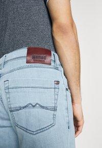 Mustang - WASHINGTON - Denim shorts - denim blue - 5