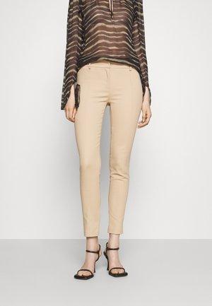 PANTS - Pantalon classique - triking beige