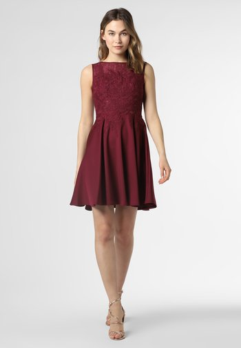 Sukienka koktajlowa - bordeaux