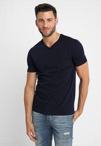 Benetton - Basic T-shirt - navy - 0