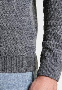 Pier One - Stickad tröja - mottled grey - 4