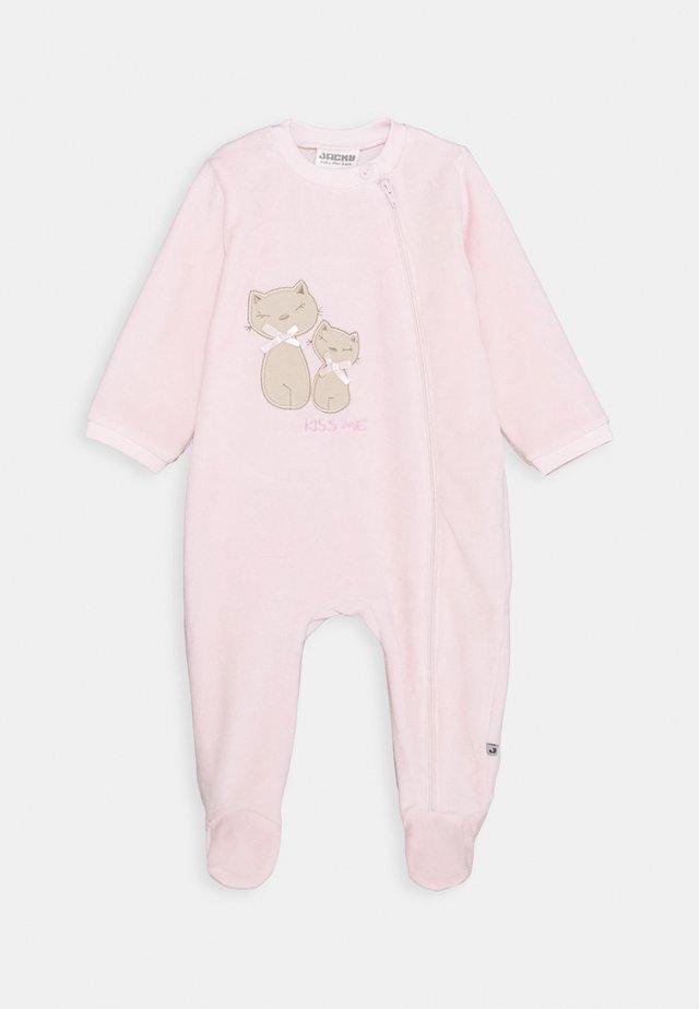 WAGENANZUG BASIC LINE NEWBORN - Pyjamas - rosa