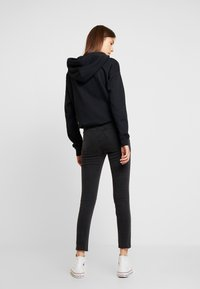 Cotton On - HIGH RISE CROPPED - Jeans Skinny Fit - washed black - 2