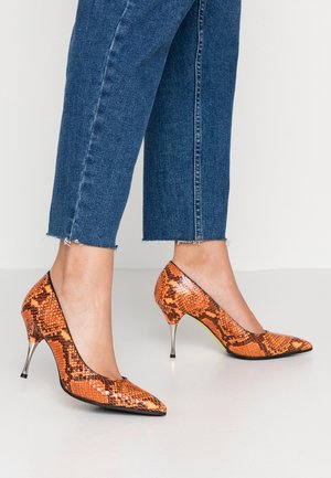JASMINE - Classic heels - arancio