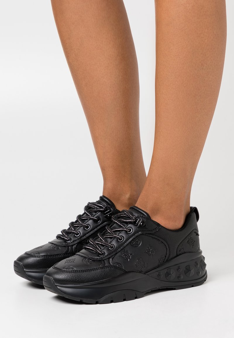 Guess - CLEAO - Trainers - black