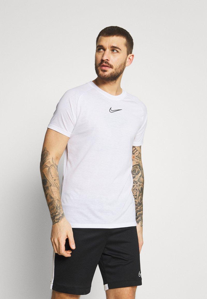 Nike Performance - DRY - Triko spotiskem - white/black