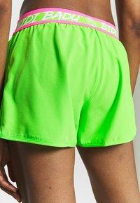 BIDI BADU - TIIDA TECH SHORTS - Sportovní kraťasy - neon green/pink - 4