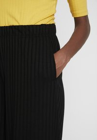 ONLY Tall - ONLGINA PANT - Trousers - black - 5