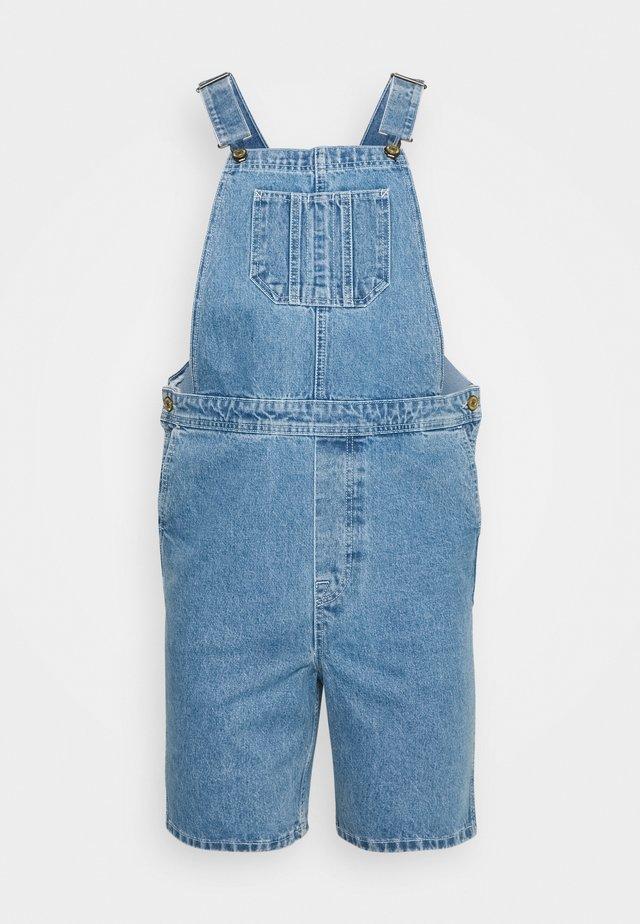 JJICHRIS JJDUNGAREE - Shorts di jeans - blue denim