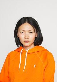 Polo Ralph Lauren - LONG SLEEVE - Hoodie - fiesta orange - 3