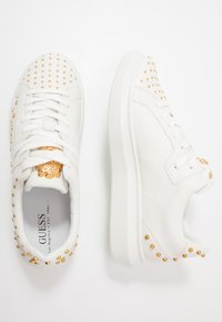 Guess - SALERNO - Zapatillas - white - 1