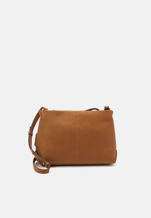 PERNILLE - Across body bag - true camel
