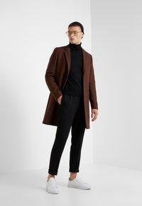 Bruuns Bazaar - CLEMENT CLARK PANT - Trousers - black - 1