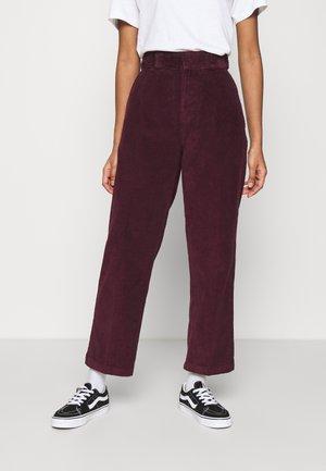 ELIZAVILLE - Pantalon classique - maroon