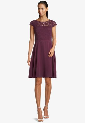 Day dress - shiny bordeaux