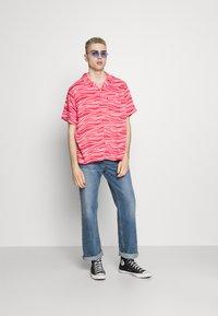 Levi's® - CUBANO SHIRT - Koszula - paradise pink - 1