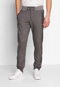 Superdry - ORANGE LABEL CLASSIC - Teplákové kalhoty - mid grey texture - 0