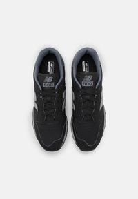 New Balance - GM500 - Sneakers - black - 3