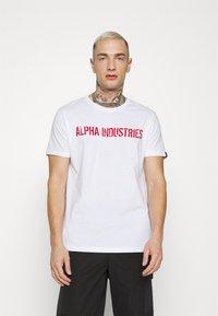Alpha Industries - MOTO  - Printtipaita - white - 0