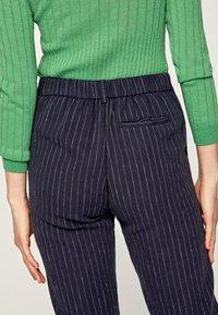 Pepe Jeans - MARTIS - Spodnie materiałowe - blue - 4