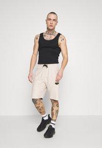 Supply & Demand - LOOPER - Teplákové kalhoty - sand - 1