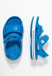Crocs - Sandały kąpielowe - bright cobalt/charcoal - 0