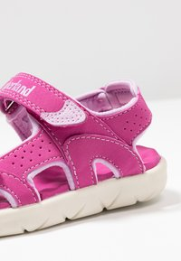 Timberland - PERKINS ROW 2-STRAP - Sandalias de senderismo - medium pink - 2