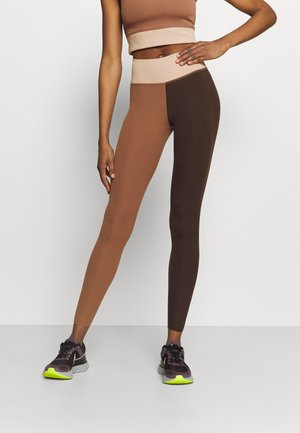 ONE LUXE - Leggings - canyon rust/clear