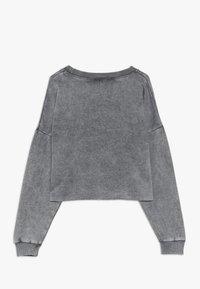 New Look 915 Generation - ACID WASH CROP RAW POCKET LOGO - Sweatshirt - grey - 1
