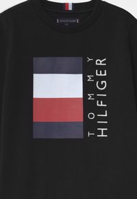 Tommy Hilfiger - GLOBAL STRIPE - Sudadera - black - 2
