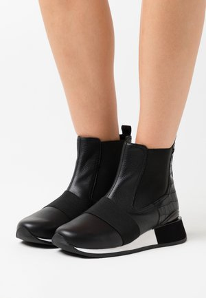 EGGESIN - Ankle boots - black