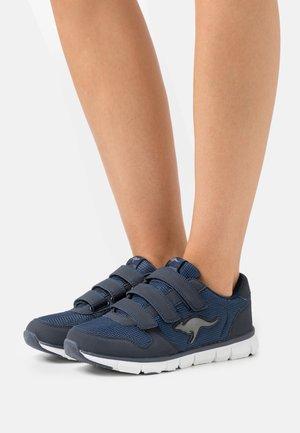 K-BLUERUN 701 - Sneakers laag - dark navy/grey