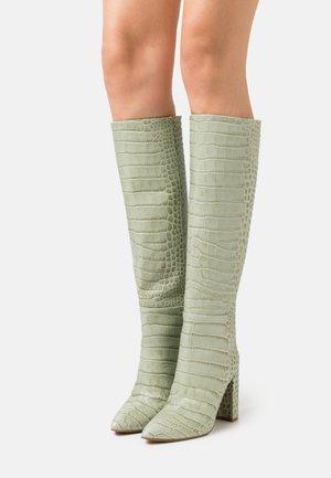 Vysoká obuv - verde